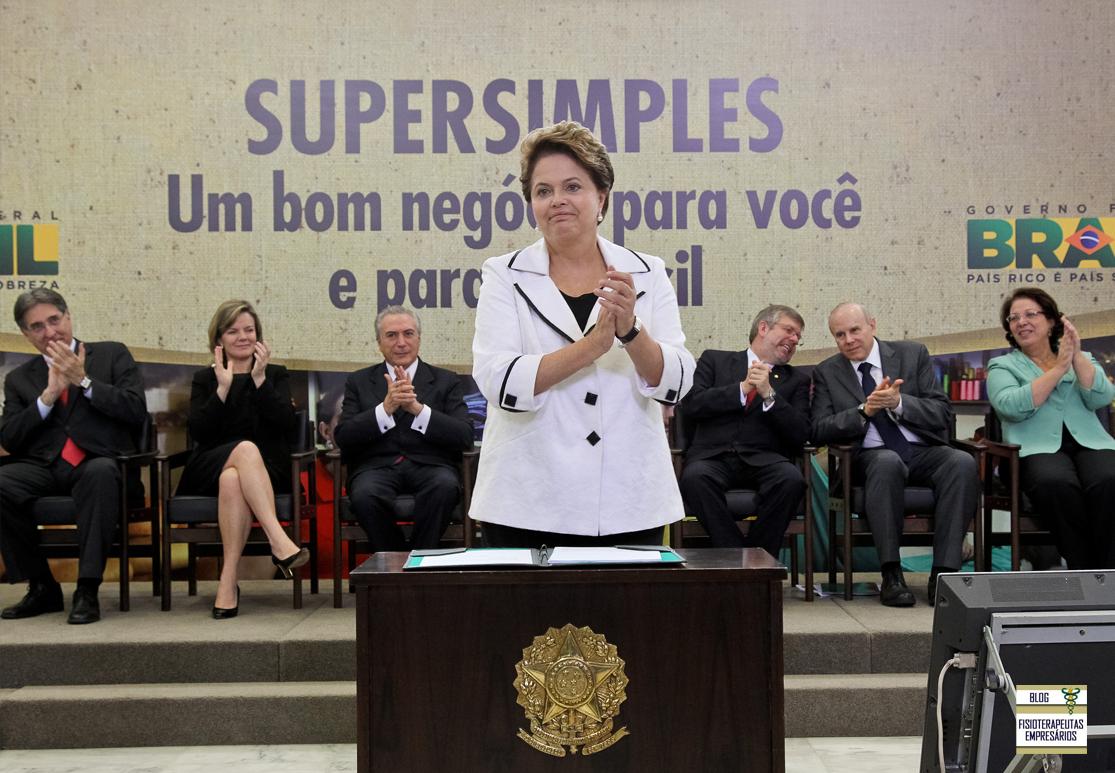 Em seu mandato, a presidenta Dilma realizou projetos que beneficia a classe dos fisioterapeutas: Programa Mais Médicos que fortalece o SUS; Veto sobre o Ato médico que fortalece a equipe de saúde; Inclusão da Fisioterapia no Anexo III do SIMPLES.